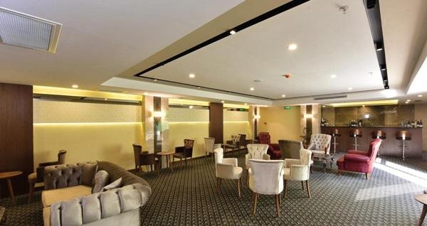 Beylikdüzü Vespia Hotel'de tek veya çift kişilik 1 gece konaklama seçenekleri 279 TL'den başlayan fiyatlarla! Fırsatın geçerlilik tarihi için DETAYLAR bölümünü inceleyiniz.