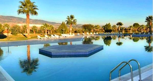 Pamukkale Vista Termal Hotel'de 1 gece Yarım Pansiyon konaklama seçenekleri 139 TL'den başlayan fiyatlarla! Fırsatın geçerlilik tarihi için DETAYLAR bölümünü inceleyiniz.