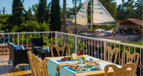 Patara Sisyphos Hotel'de kahvaltı dahil çift kişilik konaklama seçenekleri 129 TL'den başlayan fiyatlarla! Fırsatın geçerlilik tarihi için, DETAYLAR bölümünü inceleyiniz.