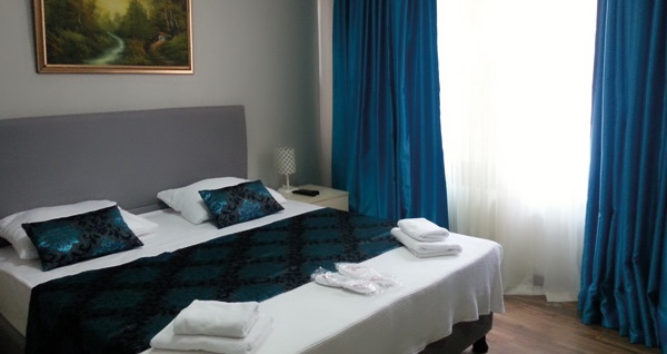 Büyükada Hotel Prinkipos'ta kahvaltı dahil çift kişilik 1 gece konaklama seçenekleri 119 TL'den başlayan fiyatlarla! Fırsatın geçerlilik tarihi için DETAYLAR bölümünü inceleyiniz.