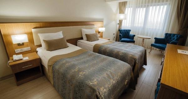 Gölbaşı Patalya Lakeside Resort Hotel'de kahvaltı dahil çift kişilik 1 gece konaklama 189 TL'den başlayan fiyatlarla! Fırsatın geçerlilik tarihi için, DETAYLAR bölümünü inceleyiniz.