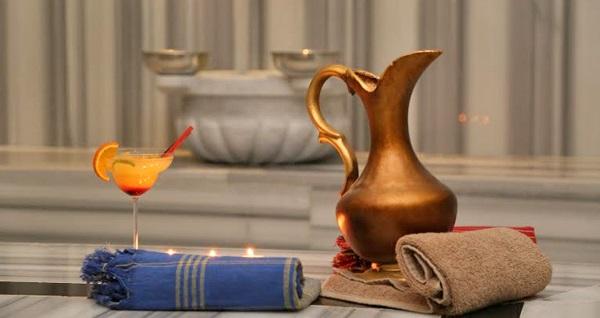 Şişli Ramada Suite Hotel Viento SPA'da 1 KİŞİ İÇİN 50 dakika Bali veya Taş masajı + ıslak alan kullanımı 200 TL yerine 109 TL! Fırsatın geçerlilik tarihi için DETAYLAR bölümünü inceleyiniz. Viento SPA haftanın her günü 07:00-22:00 saatleri arasında hizmet vermektedir. ISLAK ALANA; Sauna, buhar, hamam kullanımı dahildir.