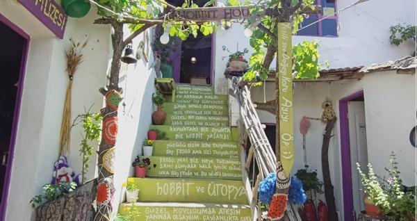 Hobbit House Barbaros'ta organik lezzetlerle dolu serpme köy kahvaltısı 45 TL yerine 34,90 TL! Fırsatın geçerlilik tarihi için, DETAYLAR bölümünü inceleyiniz.