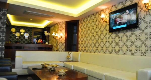 Şişli'nin görkemli hoteli Atik Palace Hotel'de kişi seçenekleri ile kahvaltı dahil 1 gece konaklama keyfi 189 TL'den başlayan fiyatlarla! Fırsatın geçerlilik tarihi için DETAYLAR bölümünü inceleyiniz.