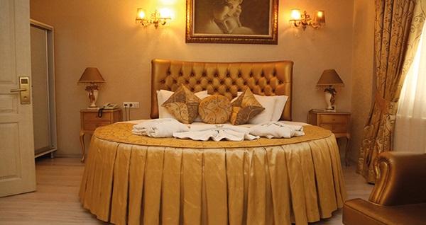 Kavaklıdere Golden Boutique Hotel'de açık büfe kahvaltı dahil çift kişilik 1 gece konaklama 169 TL! Fırsatın geçerlilik tarihi için, DETAYLAR bölümünü inceleyiniz.