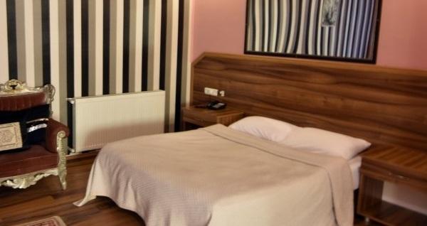 Ayvalık Jinan Berk Hotel'de kahvaltı dahil çift kişilik 1 gece konaklama 179 TL'den başlayan fiyatlarla! Fırsatın geçerlilik tarihi için, DETAYLAR bölümünü inceleyiniz.