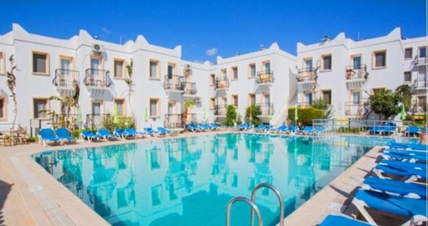 Bodrum Fiorita Beach Hotel'de çift kişilik 1 gece HER ŞEY DAHİL konaklama 296 TL'den başlayan fiyatlarla! Fırsatın geçerlilik tarihi için DETAYLAR bölümünü inceleyiniz.