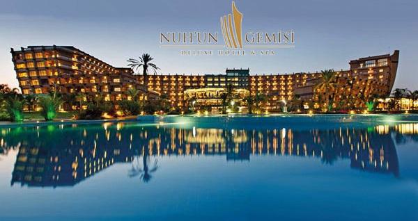 Nuh'un Gemisi Deluxe Hotel & Spa'da ULTRA HER ŞEY DAHİL uçaklı konaklama paketleri kişi başı 1.170 TL'den başlayan fiyatlarla! Detaylı bilgi ve size en uygun fiyatların sunulması için hemen 0850 532 50 76 numaralı telefonu arayın!