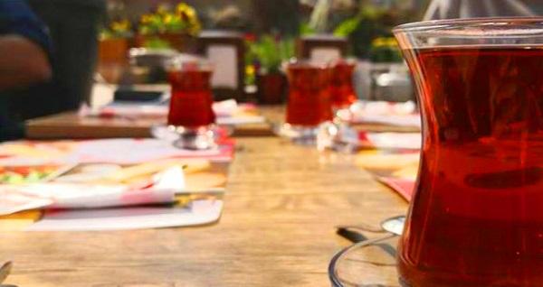 Çankaya Trakya Gurme'de sınırsız çay eşliğinde doğal ürünlerden oluşan serpme kahvaltı 30 TL yerine 17,90 TL! Fırsatın geçerlilik tarihi için, DETAYLAR bölümünü inceleyiniz.