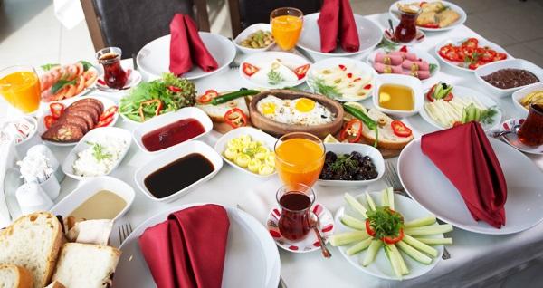 Selimpaşa Bahçem Et & Mangal Kır Bahçesi'nde hafta sonu geçerli açık büfe kahvaltı 75 TL! Fırsatın geçerlilik tarihi için DETAYLAR bölümünü inceleyiniz.