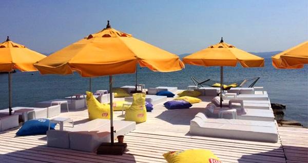 Çeşme Dodo Beach Club'ta plaj girişi, kahvaltı tabağı veya hamburger menüsü 69,90 TL'den başlayan fiyatlarla! Fırsatın geçerlilik tarihi için DETAYLAR bölümünü inceleyiniz.