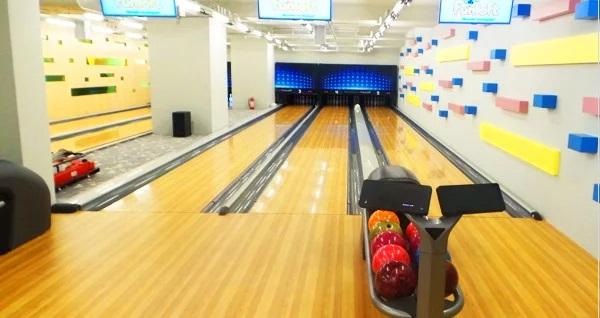 Acr Loft AVM Funloft'ta 2 oyun bowling seçenekleri 30 TL'den başlayan fiyatlarla! Fırsatın geçerlilik tarihi için DETAYLAR bölümünü inceleyiniz. Acr Loft AVM Funloft hafta içi 12.00 - 22.30 & hafta sonu 19.00 - 23.30 saatleri arasında hizmet vermektedir.