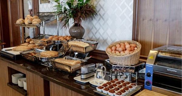 5 Yıldızlı Çukurambar Ataköşk Hotel'de açık büfe kahvaltı keyfi kişi başı 60 TL yerine 39,90 TL! Fırsatın geçerlilik tarihi için DETAYLAR bölümünü inceleyiniz.