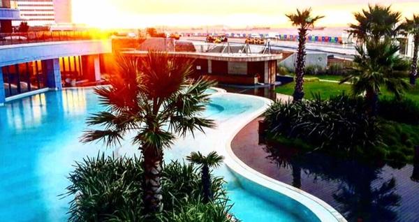 Radisson Ottomare Qualia Exclusive Wellness & Spa Ataköy'de açık havuz girişi ve ıslak alan kullanımı 400 TL yerine 149,90 TL! Fırsatın geçerlilik tarihi için DETAYLAR bölümünü inceleyiniz.