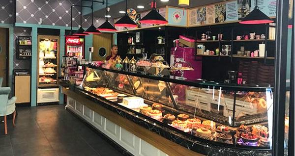 Çakırlar Pastannecim'de klasik waffle ve sınırsız çay 29,90 TL yerine 14,90 TL! Fırsatın geçerlilik tarihi için DETAYLAR bölümünü inceleyiniz.
