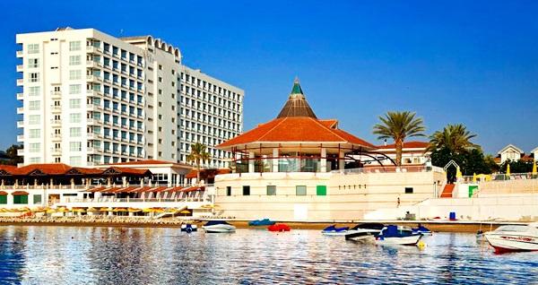 5 yıldızlı Mağusa Salamis Bay Conti Resort Hotel'de HER ŞEY DAHİL uçaklı konaklama paketleri kişi başı 879 TL'den başlayan fiyatlarla! Detaylı bilgi ve size en uygun fiyatların sunulması için hemen 0850 532 50 76 numaralı telefonu arayın!