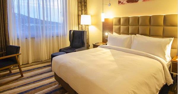 Doubletree By Hilton Eskişehir'de çift kişilik 1 gece konaklama 179 TL'den başlayan fiyatlarla! Fırsatın geçerlilik tarihi için DETAYLAR bölümünü inceleyiniz.