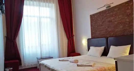 Tarihin gölgesindeki Beyoğlu Galata 34 Suites'te çift kişilik 1 gece konaklama keyfi 179 TL'den başlayan fiyatlarla! Fırsatın geçerlilik tarihi için DETAYLAR bölümünü inceleyiniz.