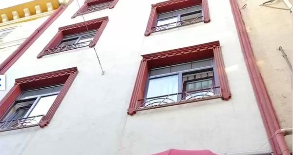 Tarihin gölgesindeki Beyoğlu Galata 34 Suites'te çift kişilik 1 gece konaklama keyfi 229 TL'den başlayan fiyatlarla! Fırsatın geçerlilik tarihi için DETAYLAR bölümünü inceleyiniz.