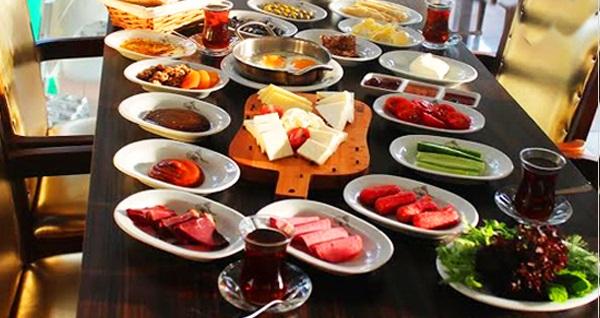 Boğaz kıyısında Yalı Cafe'de serpme kahvaltı 39,90 TL! Fırsatın geçerlilik tarihi için DETAYLAR bölümünü inceleyiniz.