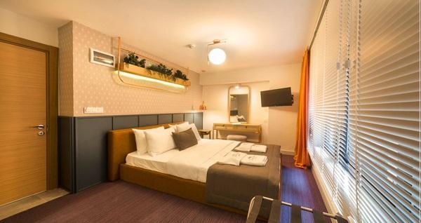 Konak Viva La Vita Hotel'de çift kişilik 1 gece konaklama keyfi 300 TL yerine 199 TL! Fırsatın geçerlilik tarihi için, DETAYLAR bölümünü inceleyiniz.