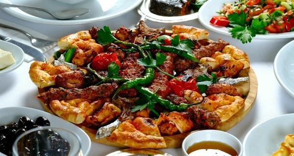 Kilisli Hadımköy'den tadına doyamayacağınız zengin iftar menüsü 100 TL! Bu fırsat 6 Mayıs - 3 Haziran 2019 tarihleri arasında, iftar saatinde geçerlidir.