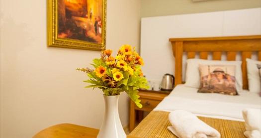Beyoğlu The PeraPort Hotel'de kahvaltı dahil çift kişilik 1 gece konaklama keyfi 219 TL! Fırsatın geçerlilik tarihi için, DETAYLAR bölümünü inceleyiniz.