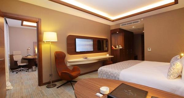 Yenibosna Bricks Airport Hotel Istanbul'da tek veya çift kişilik 1 gece konaklama keyfi ve ıslak alan kullanımı 289 TL! Fırsatın geçerlilik tarihi için DETAYLAR bölümünü inceleyiniz.