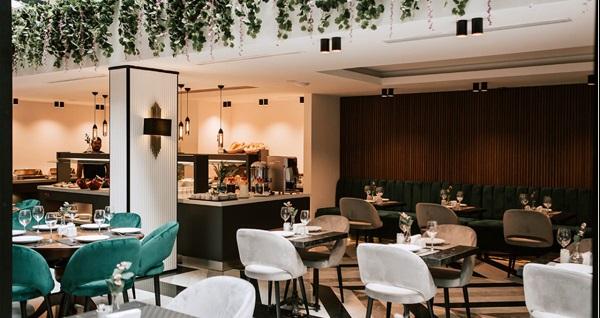 İzmir Emen's Hotel'de kahvaltı dahil çift kişilik 1 gece konaklama 289 TL yerine 239 TL! Fırsatın geçerlilik tarihi için DETAYLAR bölümünü inceleyiniz.