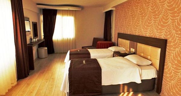 Alsancak Vesta Liman Hotel'de kahvaltı dahil çift kişilik 1 gece konaklama 179 TL! Fırsatın geçerlilik tarihi için DETAYLAR bölümünü inceleyiniz.