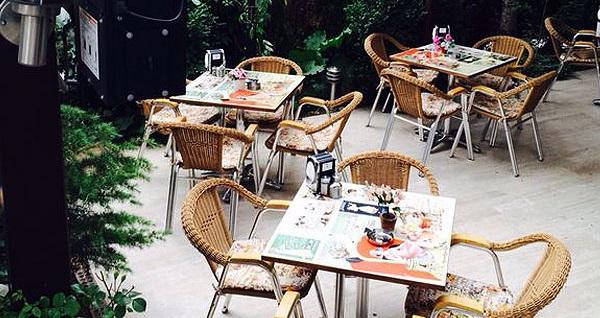 Şirin mi şirin bahçesi ile Emek Kezzban Cafe'de enfes iftar menüsü 35,90 TL! 6 Mayıs - 3 Haziran 2019 tarihleri arasında, iftar saatinde geçerlidir.