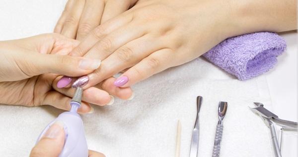 Nişantaşı Love Beauty Center'da kalıcı oje, micro manikür ve protez tırnak uygulaması 180 TL! Fırsatın geçerlilik tarihi için DETAYLAR bölümünü inceleyiniz.
