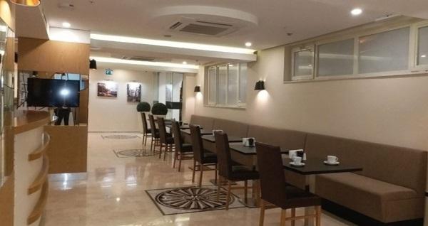 Molton Beyoğlu MLS Hotel'de kahvaltı dahil çift kişilik 1 gece konaklama 343 TL yerine 293 TL! Fırsatın geçerlilik tarihi için DETAYLAR bölümünü inceleyiniz.