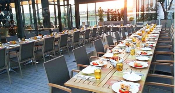 Divan Suites İstanbul Gplus'da muhteşem iftar menüsü 99 TL! Bu fırsat 6 Mayıs - 3 Haziran 2019 tarihleri arasında, iftar saatinde geçerlidir.