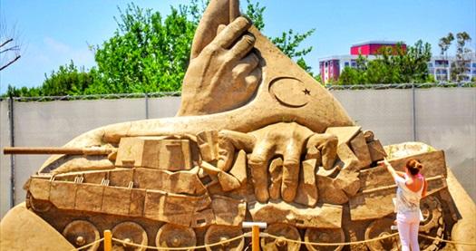 Dünya Harikaları ve muhteşem Mitolojik kahramanların sergilendiği Antalya Kum Heykel Müzesi'ne giriş ve 1 adet festival hatırası magneti 15,90 TL! Fırsatın geçerlilik tarihi için, DETAYLAR bölümünü inceleyiniz.