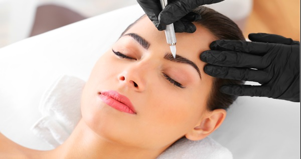 Nişantaşı Nermin Negiz Beauty Center'da ipek kirpik ve manikür + protez tırnak kalıcı oje işlemleri 199 TL'den başlayan fiyatlarla! Fırsatın geçerlilik tarihi için DETAYLAR bölümünü inceleyiniz.