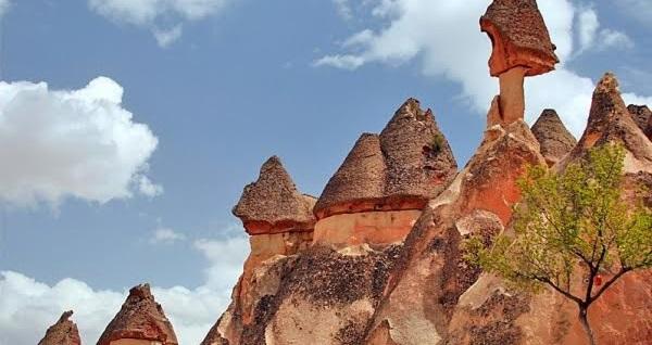 Masallar diyarına yolculuk! 2 gün 1 gece konaklamalı 'Kapadokya - Ihlara - Hacıbektaş Turu' Malitur ile kişi başı 329 TL! Tur kalkış tarihleri için, DETAYLAR bölümünü inceleyiniz.