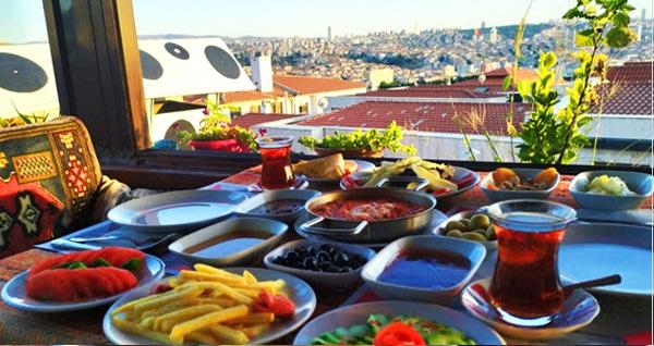Ankara Kalesi Gramofon Teras Cafe'de kahvaltı menüsü 40 TL yerine 22,90 TL! Fırsatın geçerlilik tarihi için DETAYLAR bölümünü inceleyiniz.