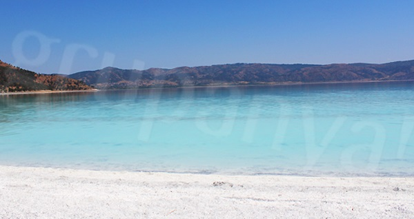 29 Ekim'e özel termal otellerde 2 gece konaklamalı Alaçatı, Ilıca Plajı, Şirince, Pamukkale, Salda Gölü, Ulubey Kanyon turu kişi başı 585 TL! Tur kalkış tarihleri için, DETAYLAR bölümünü inceleyiniz.
