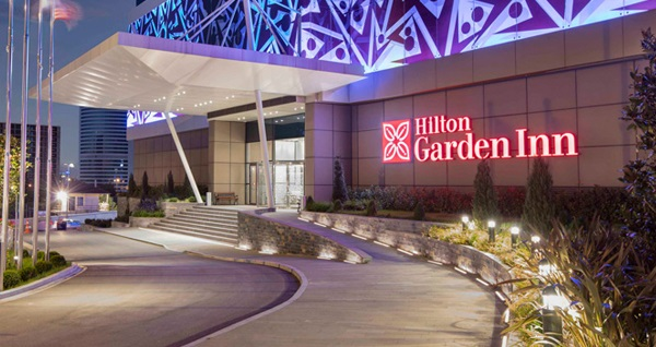 Hilton Garden Inn Ümraniye'de fasıl eşliğinde açık büfe iftar menüsü 89 TL! Bu fırsat 6 Mayıs - 3 Haziran 2019 tarihleri arasında, iftar saatinde geçerlidir.