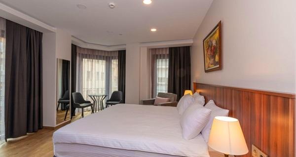 La Wisteria Boutique Hotel'de çift kişilik 1 gece konaklama 289 TL yerine 239 TL! Fırsatın geçerlilik tarihi için DETAYLAR bölümünü inceleyiniz.