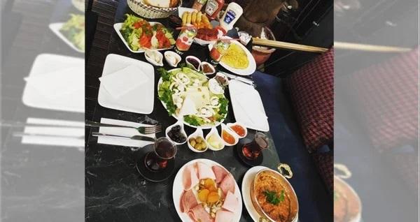 Royal Cafe Beylikdüzü'nde 2 kişilik serpme kahvaltı 70 TL yerine 55 TL! Fırsatın geçerlilik tarihi için DETAYLAR bölümünü inceleyiniz.