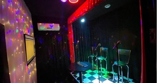 O Ses Sensin Karaoke Stüdyo'da yeni nesil eğlence karaoke (kişi başı) 25 TL yerine 15 TL! Fırsatın geçerlilik tarihi için DETAYLAR bölümünü inceleyiniz.