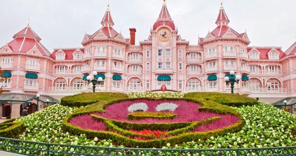 Disneyland Park ve Walt Disney Stüdyoları'na 2 gün giriş bileti dahil 4 gece konaklamalı Paris & Disneyland turu 3.128 TL'den başlayan fiyatlarla! Fırsatın geçerlilik tarihi için, DETAYLAR bölümünü inceleyiniz.