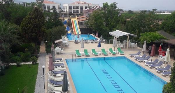Kuşadası Melodi Club Hotel'de eğlenceli aquapark, havuz keyfi ve enfes hamburger menü kişi başı 59 TL! Fırsatın geçerlilik tarihi için DETAYLAR bölümünü inceleyiniz.