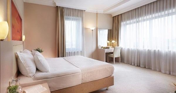 Kordon Otel Alsancak'ta kahvaltı dahil çift kişilik 1 gece konaklama 309 TL yerine 259 TL! Fırsatın geçerlilik tarihi için, DETAYLAR bölümünü inceleyiniz.