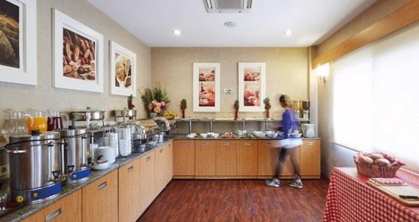 Kordon Otel Alsancak'ta kahvaltı dahil çift kişilik 1 gece konaklama 289 TL yerine 239 TL! Fırsatın geçerlilik tarihi için, DETAYLAR bölümünü inceleyiniz.
