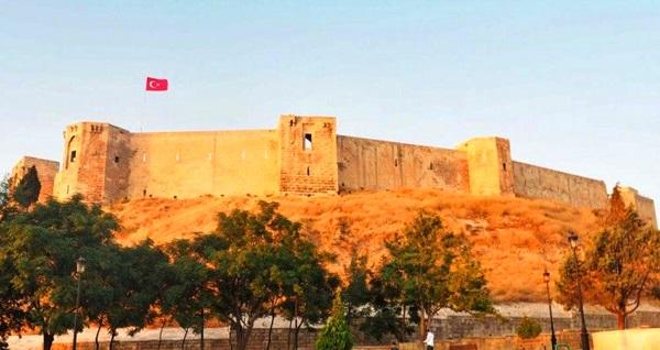 BizceTatil.com ile 1 gece konaklamalı Hatay Gaziantep Gurme Turu kişi başı 990 TL! Fırsatın geçerlilik tarihi için, DETAYLAR bölümünü inceleyiniz.