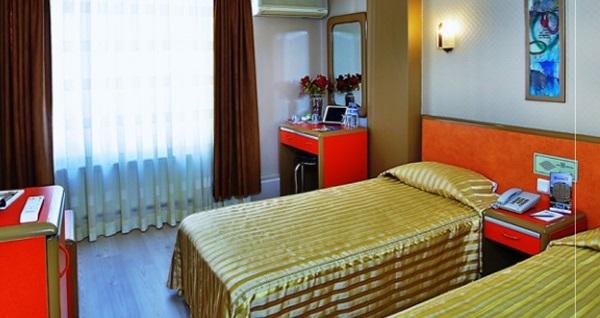 Laleli Hotel Şahinler'de şehrin merkezinde konfor içerisinde kahvaltı dahil çift kişilik 1 gece konaklama 229 TL! Fırsatın geçerlilik tarihi için DETAYLAR bölümünü inceleyiniz.