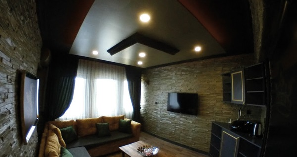 Kızılay Golden House'un jakuzili lüks odalarında çift kişilik 1 gece konaklama seçenekleri 130 TL'den başlayan fiyatlarla! Fırsatın geçerlilik tarihi için, DETAYLAR bölümünü inceleyiniz.